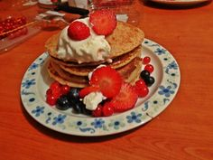pancakes with yogurt and fruits