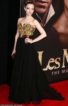 Les Miserables premiere: Anne Hathaway wears bondage-style gladiator heels | Mail Online