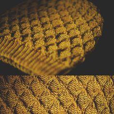 stitch pattern from vintage knitting leaflet.