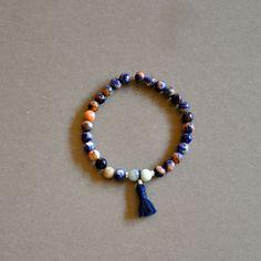 """Bracelet mala femme pierres fines bleues et pompon coton : Modèle """"Nadja"""" : Bracelet par kanakeis"""