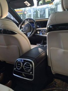 Audi A7 Interior, New Luxury Cars, Poses Photo, Classy Aesthetic, Skateboard Girl, Mercedes Benz Cars, Car Videos, Car Photography, Motor Car