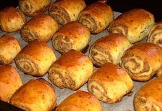 Csodás! Így, egy szóban :) A családom alig bírta ki, hogy megörökítsem! :) Az íze egyszerűen elvarázsolt mindenkit a családban. :) Hozzávalók: 25 dkg krémtúró[...] Hungarian Desserts, Hungarian Recipes, My Recipes, Cookie Recipes, Dessert Recipes, Eastern European Recipes, Mini Pastries, Sweet Cookies, Food Goals