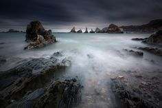 Photo Gueirua by Florent Criquet on Spain Places To Visit, Great Backgrounds, Fun Shots, Long Exposure, Great Pictures, Birds In Flight, Sailing, Waterfall, Earth