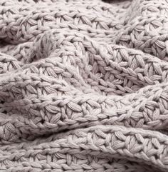 Chunky knit cotton throw in taupe - Burgos Blanket Chunky Knit Throw, Chunky Blanket, Chunky Knits, Knitted Afghans, Knitted Blankets, Knitting Patterns, Crochet Patterns, Blanket Shawl, Arm Knitting