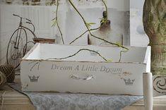 Reizende alte Schublade mit Geschichte von elfloraART auf DaWanda.com