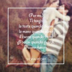 (Per me) Ti tengo la testa quando dormi la mano quando scrivi il cuore quando tremi gli occhi quando guardi Io sono Amore #amore #poesiedamore #poesiadamore #poesia #poesie #loveisthepath #cuore #heart