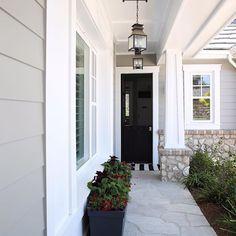 56 super ideas for house facade design exterior colors porches Exterior Gray Paint, Design Exterior, House Paint Exterior, Grey Paint, Exterior House Colors Grey, Gray Siding, Neutral Paint, Facade Design, Gray House Exteriors