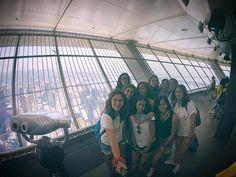 En la CN Tower de Toronto.  Vistas impresionantes.  Estudiantes 2016.   #WeLoveBS #inglés #idiomas #Canadá #Toronto #Ontario  #Jóvenes #adolescentes #summer #young #teenagers #boys #girls #city #english #awesome #Verano #friends #group #anglès #cursos #viaje #travel #view