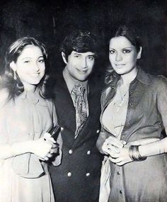 Dev Anand flanked by two of his most beautiful and promising discoveries, Tina Munim and Zeenat Aman. Such a delightful threesome, the trio had regaled us with their incredible charm and sophistication for decades, their movies and songs still popular and being played on radios round the world! Such a wonderful photograph