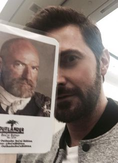 """@RCArmitage: .@Comic_Con @TheHobbitMovie @grahammctavish Dwalin?...is that you? ""Thorin!! You're alive!!!!"