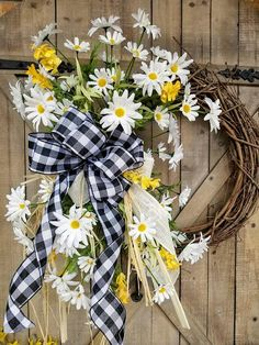 "23"" Daisy Front door wreath, White Daisy Wreath, Wreath Great for All Year Round, Wedding Wreath, Door Wreath, Front Door Wreath#ad"