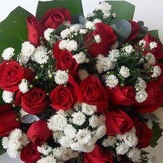 Estas hermosas flores me las regaló mi esposo bello por mi cumpleaños!  Gracias @arvanitaris1 y que cumpla muchos años más a tu lado Te amo