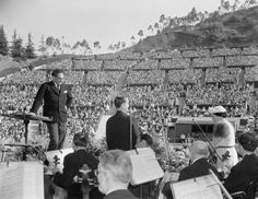 Otto Klemperer and soprano, Lucrezia Bori with the Los Angeles Philharmonic at the Hollywood Bowl, 1937