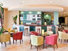 Bar del Hotel Barceló Isla Cristina, en Huelva / Post by Inou Mobiliario.