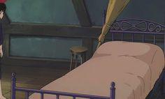 疲れてベッドに一直線なキキの魔女の宅急便のGIF画像 created by GIF画像まとめ