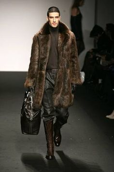 Vintage Furcoat Men's Natural Beaver Fur Coat or Beaver Fur Coats. Juliana Furs offers unbeatable warmth and durability in its natural furs. we are the best in market for Beaver Fur Coats - Fur Fashion, Winter Fashion, Mens Fashion, Fur Jacket, Fur Coat, Frock Coat, Vintage Fur, Winter Wear, Fur Collars
