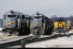 Lots of Seaboard Coastline units including a Chessie System unit at Corbin, Kentucky O Train, Train Tracks, Corbin Kentucky, Baltimore And Ohio Railroad, Csx Transportation, Railroad Pictures, Norfolk Southern, Railroad Photography, Diesel Locomotive