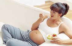 Eating a big breakfast may increase fertility.  Shape mag, March 2014 also reported this.   3 months of 980 Cal breakfast, 640 Cal lunch, and 180 Cal dinner saw the best results.