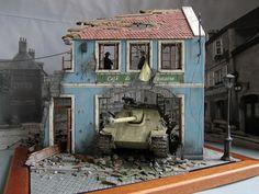Used kits: 36007 BUDAPEST 1945 35008 GERMAN SELF-PROPELLED GUN CREW Modeller Ali Ata (Turkey)