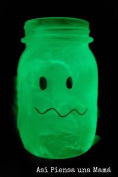 fantasma fluor con pintura rust oleum, manualidades con niños para halloween Halloween, Pumpkins, Activities For Kids, Pintura, Halloween Stuff