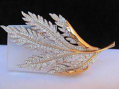 "Signed Crown Trifari C Rhinestone Jeweled Life Size Oak Leaf 3 75"" Vtg Brooch | eBay"