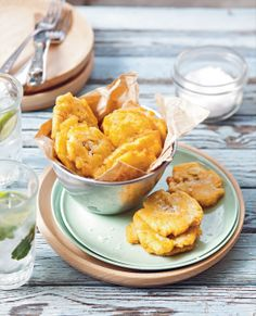 Twice-fried plantain chips by Rachael Lane from South American Grill Banane Plantain, Fried Plantain Chips Recipe, Snack Recipes, Snacks, Cooking On The Grill, Grilling, Vegetables, American Recipes, Food Recipes