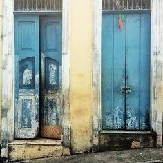 Puertas en Salvador de bahia by @laciudadalinsta   #bahia… Knock Knock, Instagram, Windows, Doors, Photo And Video, World, Brazil, El Salvador, Cities