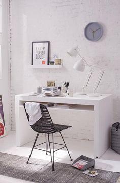 Arbeitszimmer in Weiß
