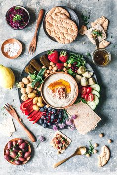 How about a little Sunday mezze platter? With or olives, artichokes, pickled mushrooms, dolmades and lots of… Antipasto, Vegetarian Tapas, Vegan Recipes, Snack Recipes, Dinner Party Recipes, Savory Snacks, Mediterranean Recipes, Food Inspiration, Food Photography