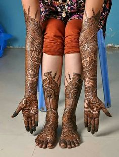 Book Meenu Mehendi Artist for your wedding - Jaipur's best mehndi artist