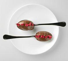 Bombones de chocolate en cuchara con Frambuesa Crunch Ingredissimo ¡Deliciosos! #Foodporn #Cook #Gastronomia #Groumet
