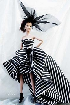 omg....Could be a 2014 1950s Barbie. Isnt she beautiful ! Thank you creator for the flashback !! Drama Collection X by V. JHON, via Flickr