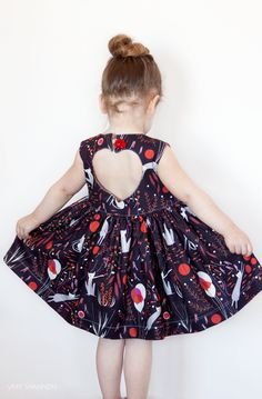 A retro & modern dress featuring an adorable heart cutout on the back that your child is sure to adore!  With a flattering silhouette that showcases your fave fabric crush and special feminine details the Sweetheart Dress is sure to be a showstopper!The Sweetheart Dress PDF Pattern features:: ...
