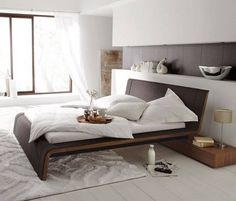 Bedrooms look great in white, and this colour is a very appropriate interior solution, especially if you are looking for a peaceful and relaxing atmosphere. On the other hand, the fashionable minimalist bedroom furnishing also can make you feel good. Home Bedroom, Modern Bedroom, Bedroom Decor, Bedrooms, Modern Beds, Home Furniture, Furniture Design, Cool Beds, Minimalist Bedroom
