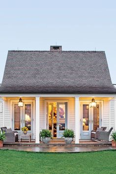 The Genteel Cottage - The Art of Living Small - Southernliving. Location: Orange, VirginiaSize: 1200 square feetDesigner: Sam BlountArchitect: Madison Spencer A couple from Connecticut moved down South with the plans to develop land in Virginias horse cou