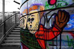 Stadtmalerei - Morbides Wien in Bunt Graffiti, Vienna, Bunt, Football Helmets, Face, Photos, Canvas, Graphite, The Face