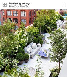 Wonderful Rooftop Garden Design For Home That Enchanting - SnapShot Magazine. Wonderful Rooftop Garden Design For Home That Enchanting Rooftop Terrace Design, Patio Design, Rooftop Nyc, Terrace Garden Design, Urban Garden Design, House Design, Garden Oasis, Balcony Garden, Sky Garden