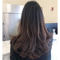 Korean Haircut Long, Korean Hairstyle Long, Korean Long Hair, Medium Hair Cuts, Long Hair Cuts, Wavy Hair, New Hair, Brown Hair Color Shades, Brown Hair Colors