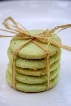 Sablés à la pistache Biscuit Cookies, Sweet Desserts, Scones, Cookie Recipes, Ice Cream, Vegan, Cooking, Breakfast, Pistachios