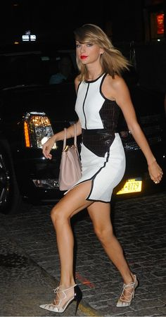 The 10 best beauty looks of the week. - the handbag says it all..............    7      1