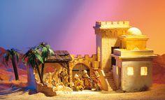 Die Geburt Jesu im historischen Kontext zeigt die Orient-Krippe: Unser Krippenbauer zeigt Ihnen, wie Sie eine Orientkrippe und den Hof mit Stall bauen