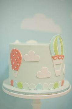 Hot Air Balloon Cake. #beautifulbabyshower