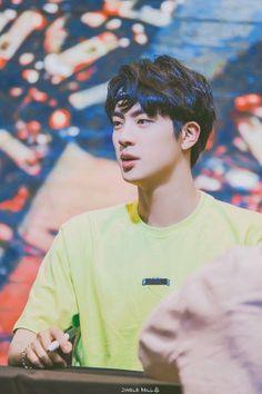 Jin Kim Seokjin's beauty is out of this world. No arguments could accepted Seokjin, Namjoon, Jin Kim, Bts Jin, Bts Bangtan Boy, Jung Hoseok, Btob, Boy Scouts, K Pop