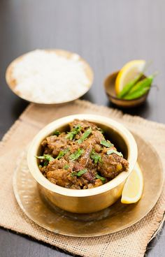 chicken vindaloo - http://steamykitchen.com/16512-chicken-vindaloo.html?utm_source=feedburner&utm_medium=feed&utm_campaign=Feed%3A+SteamyKitchen+%28Steamy+Kitchen%29