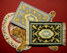 Dollhouse carpets with different edges need different finishing