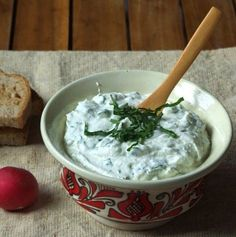 Creamcheese and Ramsons Dip by Transylvanian Kitchen Guacamole, Pesto, Mashed Potatoes, Vegan Recipes, Vegetarian, Meals, Ethnic Recipes, Desserts, Food