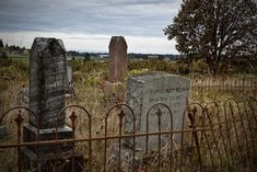 These 5 Haunted Oregon Cemeteries Are Not For the Faint of Heart