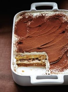 Quick And Healthy tiramisu recipe pakistani just on food factory zone recipes ideas Brownie Desserts, Easy Desserts, Delicious Desserts, Yummy Food, Tasty, Dessert Sans Four, Bon Dessert, Sweet Recipes, Cake Recipes