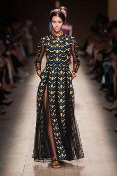 Valentino Spring 2014 Runway Show | Paris Fashion Week