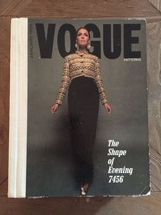1969 VOGUE Patterns Store Counter Sewing Catalog Book Vintage Fashion Style 60s nsld 69.99+7.95 0bds 8/18/16
